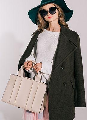 轻盈舒适可选色压线简 约时尚风衣